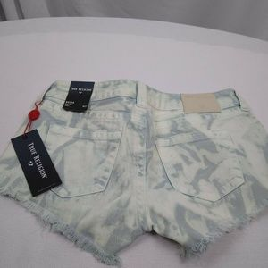 True Religion Keira Mid Rise Shorts 27 NWT